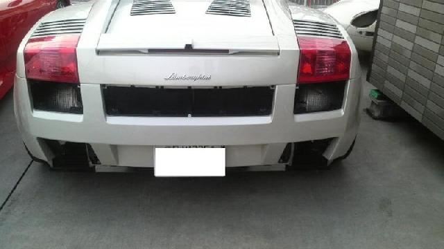 車の修理事例 ランボルギーニ/ガヤルド特別な修理/改造パーツ